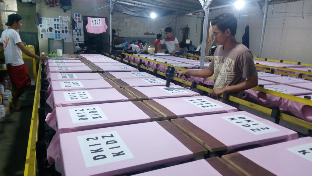 Sablon Kaos Manual di Jakarta